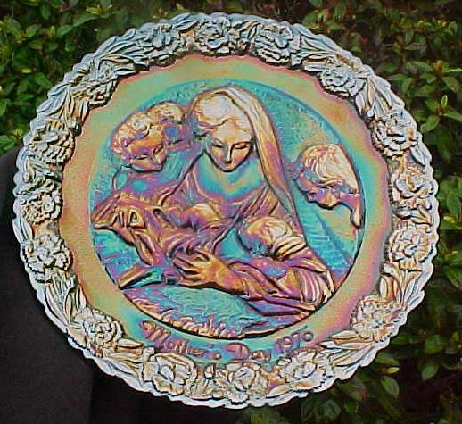 Purple Carnival Mothers Day Plate - 1976 - Fenton