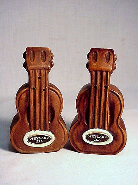 Guitar Salt and Pepper Set Opryland USA Souvenir