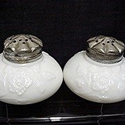 SALE Salt and Pepper Shakers American Glass Eagle Mfg. Co.