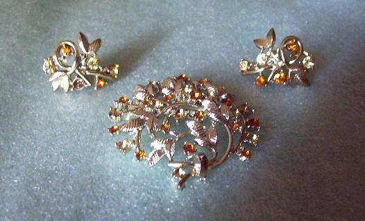 Coro Brooch and Earring Demi with Citrine and Amber Rhinestones