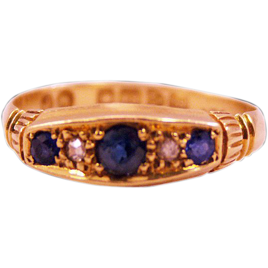 ca 1911 Chester Hallmarked 18K Gold Sapphires and Diamond Ring