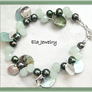 Green Shell with Freshwater Pearl and Faceted Glass Bracelet