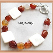 Summer Shades of Cream Shell and Red Agate Bracelet