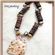 Brown Shell Pendant with Brown Wood and Freshwater Pearl Necklace