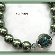 Dark Green Lampwork Bead with Glass Pearl Bracelet