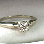 Vintage 14KW Gold .35CT Brilliant Cut Diamond Ring