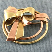 1940's 14K Two Tone Circle/Bow Pin