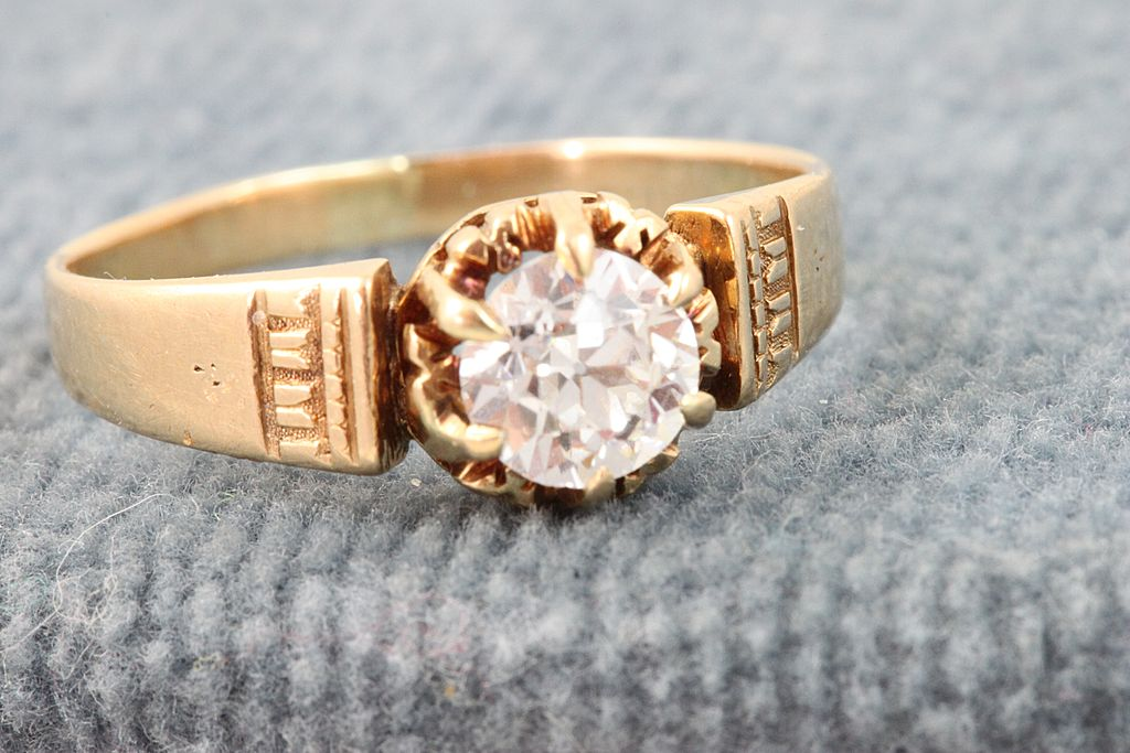Estate 18K Gold 0.65 CT Diamond Etruscan Ring