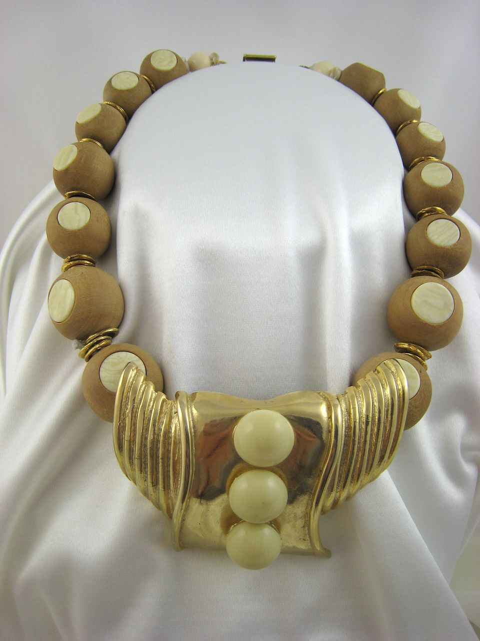 Ugo Correani Italy Necklace Wood and Lucite Huge Drop Balls