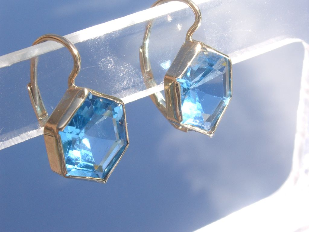 14kt Hexagonal Cut Blue Topaz Dangle Earrings
