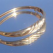 "14kt Vintage ""Wave"" Design Bangle Bracelet"