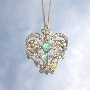 9-10kt Vintage Emerald/Multi Seed Pearl Pendant