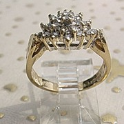 14kt Multi Diamond Cluster Vintage Ladies Ring