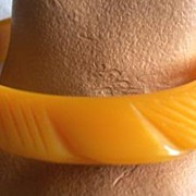 "SALE UNUSUAL Vintage BAKELITE Bangle  Carved  Deeply  ""Saucer"" Style"