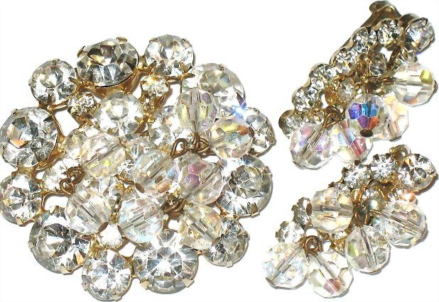 1950s Brilliant D&E Rhinestones with Dangling AB Beads Pin & Earrings Demi
