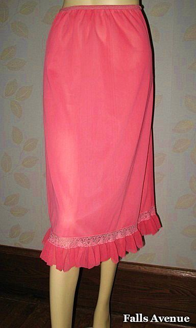 1950s Vintage Half Slip Coral Pink with Lace & Pleated Trim Bouquet Label Size Medium/Large