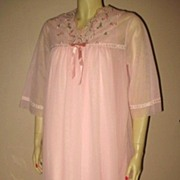 1960s Vintage Pink Baby Doll Peignoir Set Lov'Lee Label Size Medium
