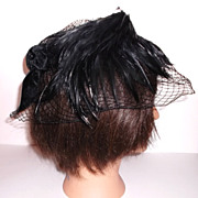 1940s Vintage Black Velvet Feathered Netted Fascinator Hat