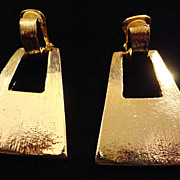 REDUCED VINTAGE Large Chunky Hammered Gold tone dangle clip on earrings