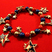 SALE VINTAGE Red, Blue and silver plastic  bead charm stretch bracelet with enamel stars