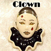 "SALE VINTAGE Beautiful  "" Pierrot"" Enamel clown brooch pin on gold tone"