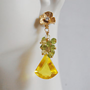 Yellow Quartz Gemstone Cluster Dangle Earrings -Bright Yellow quartz and peridot cluster dangl