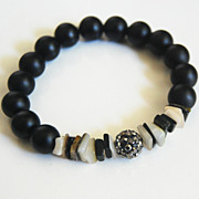 Matte Black Onyx And Black Lip Shell Bracelet - Beaded Bracelet - Stretch Bracelet - Black Bra