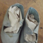 Antique Blue Cloth Shoes