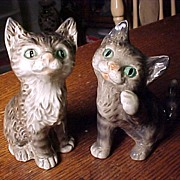 REDUCED Pair of Kittens One Goebel