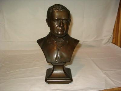 Bronze bust of gentleman