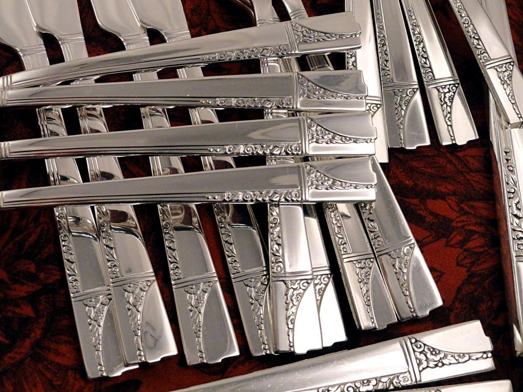 oneida nobility caprice art deco vintage 1937 silver plate flatware from firesidetreasures on. Black Bedroom Furniture Sets. Home Design Ideas