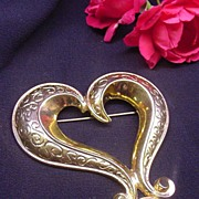 Large Bold AVON Beautiful Heart Pin Gold-toned