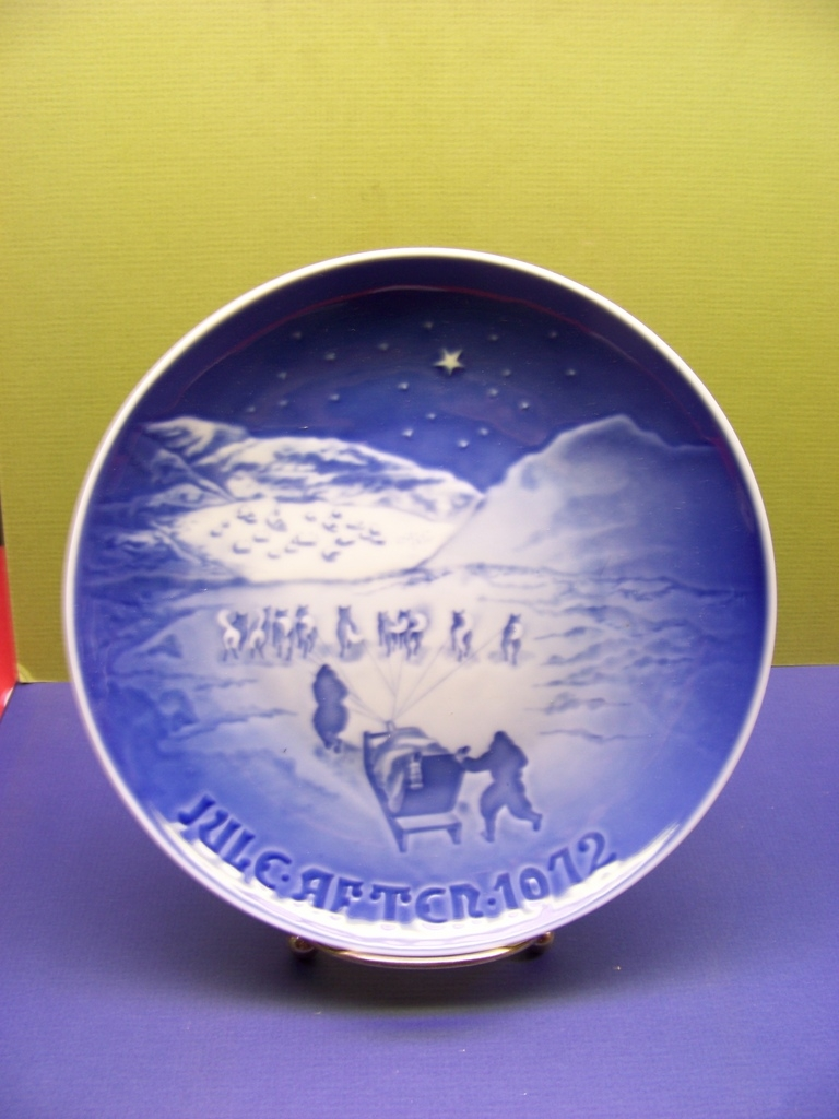"1972 Bing and Grondahl Porcelain Christmas Plate ""Christmas in Greenland"""