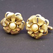 Vintage Gold Tone Cufflinks with Faux Pearl Center