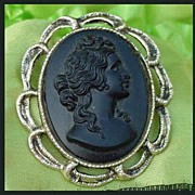 Black Cameo Brooch in Gold -Tone Metal Setting