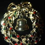 Christmas Pins Brooch 1969 Wreath Unused Made in USA