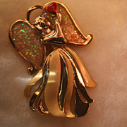 SALE Chrismas Brooch Pin Angel Opal Resin Wings Heart Goldtone