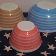 Set of 3 Pyrex Nesting Stripe Bowls