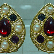1970s Richelieu Earrings with Rhinestones and Pearls!