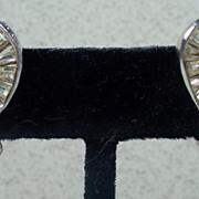 Elegant 1950s Weiss Rhinestone Clip On Earrings!