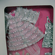 Mattel NRFB Barbie Hollywood Premiere Outfit, Classique Collection signe by Carol Spencer, 199