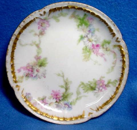 Haviland Limoges Butter Pat with Daisies Hand Painted Gold Relief Rim