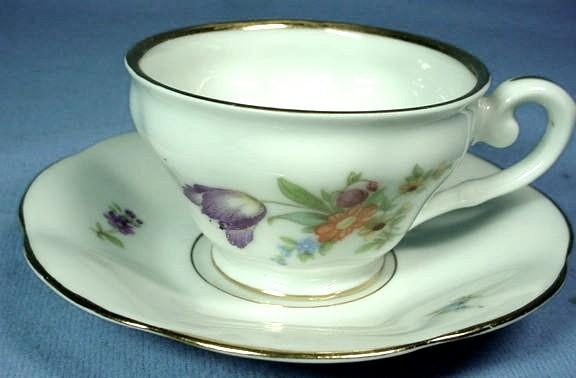 Bavarian Demi Tasse and Saucer by Tirchenreuth C1903
