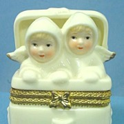 Adorable Porcelain Ring Box or Pill Box with Figural Top