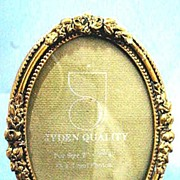 Dainty Gilded Brass Picture Frame with Roses and Beading