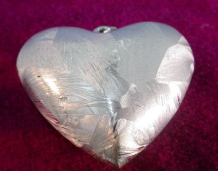 Beautiful Valentine Puffy Heart Pendant in Textured Silver Metal