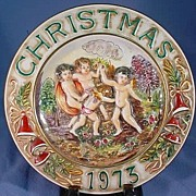 Capodimonte Christmas Plate with Cherubs or Angels from 1973