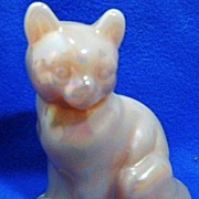 Fenton Pink Opalescent Seated Cat