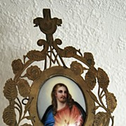 Rare miniature on porcelain of Crowned Heart of Jesus; End of 19th century