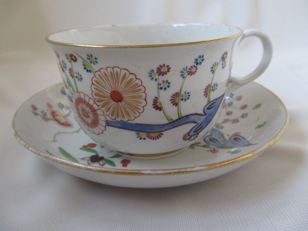 Circa 1815 English Cup & Saucer Kakiemon Design, Porringer Shape